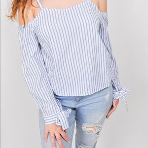 Stripe shirt with bows